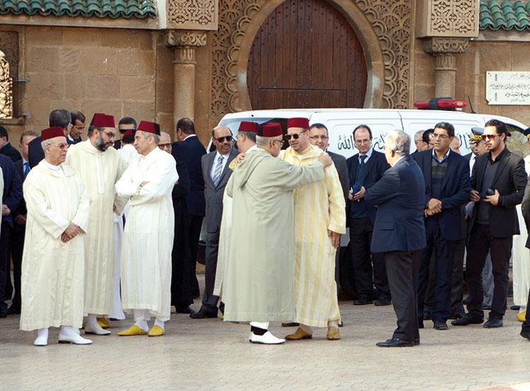 جنازة مهيبة لمستشارة الملك زليخة نصري