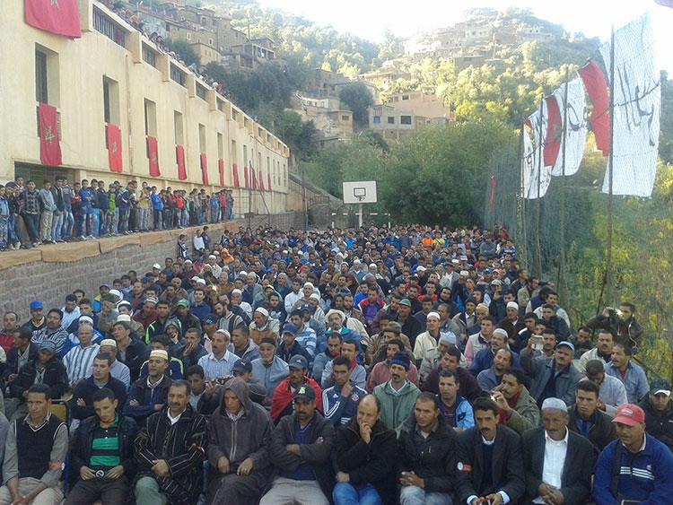 مطالب بسيطة تدفع مواطنين بأوريكا إلى الاعتصام مدة شهر كامل