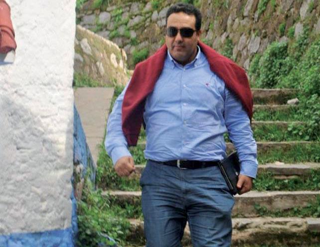 """الحسين مفتي قال ل""""الأخبار"""" :  «إن الوزير تحدى الجميع ولعب بقنبلة الباعة المتجولين انتخابيا»"""