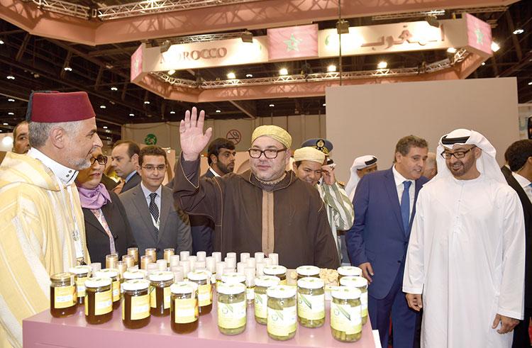 الملك يزور الجناح المغربي بالمعرض الدولي للتغذية بالشرق الأوسط بأبو ظبي