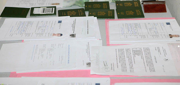 القنصلية الفرنسية بالرباط و(CNSS) يطيحان بمزور وثائق التأشيرة