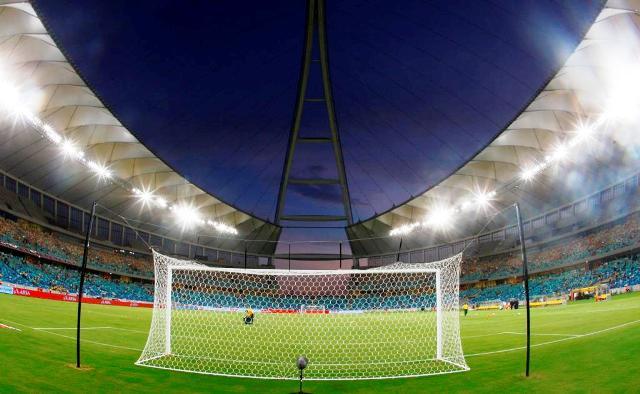 الجامعة تستغل توقف البطولة لتعالج إشكالية الإضاءة بخمسة ملاعب