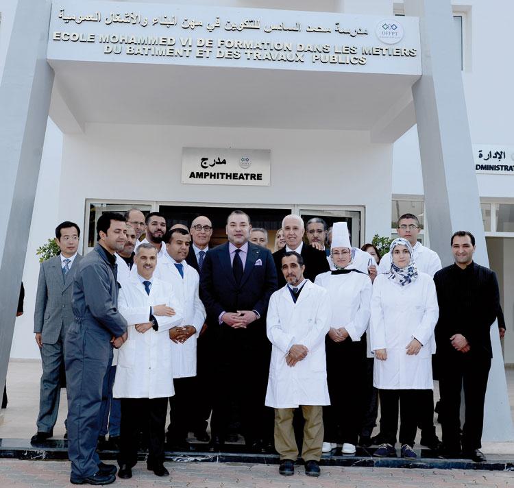الملك يدشن مدرسة محمد السادس للتكوين في مهن البناء والأشغال العمومية بسطات
