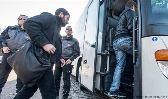 ألمانيا تقرر ترحيل طالبي اللجوء المغاربة والجزائريين