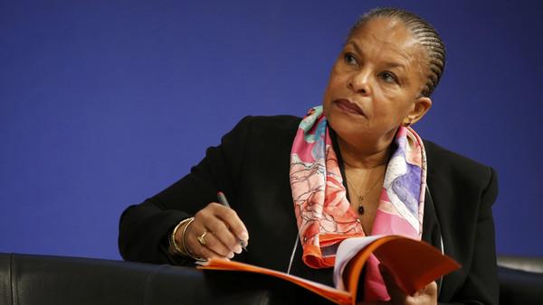 وزيرة العدل الفرنسية تستقيل بسبب مقترح حكومي لإسقاط الجنسية عن المتورطين في الإرهاب