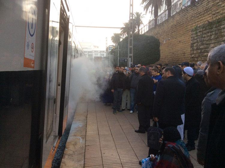 عاجل: احتراق قطار بمحطة الرباط المدينة واختناق الركاب داخله