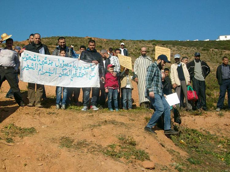أكثر من 80 أسرة بالفنيدق تطالب بحقها في البناء والسكن