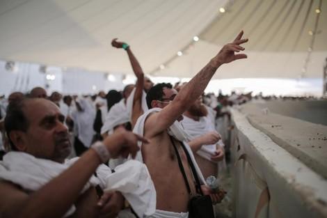 بسبب الخلاف مع السعودية إيران تحرم مواطنيها من الحج العام المقبل