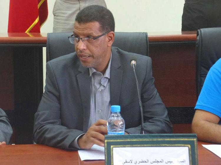 «البيجيدي» يهجر بلدية آسفي والرئيس ونوابه في سفريات بالطائرات وسيارات المصلحة