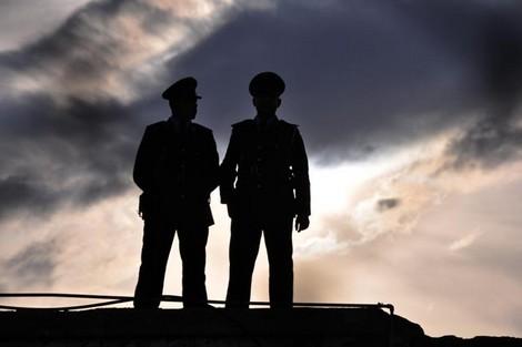 الفرقة الوطنية توقف مفتش شرطة وجمركيا بميناء طنجة بسبب التزوير