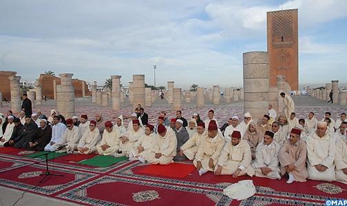 مصليات ومساجد المملكة تقيم صلاة الاستسقاء