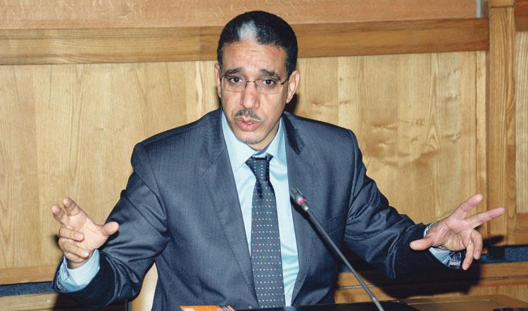 مجلس الحكومة يصادق على قانون وصفه رباح بأنه غير دستوري