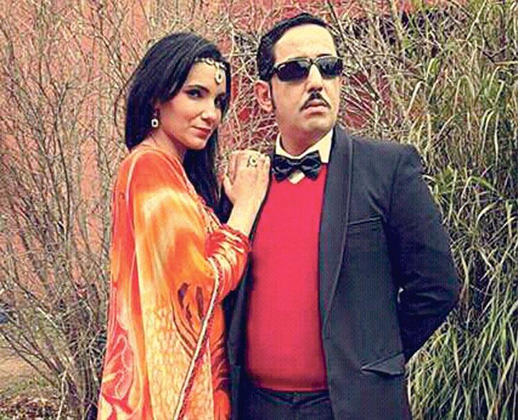الفنان طارق البخاري مع الممثلة لطيفة تيليلا