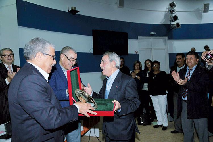 جمعية خريجي معهد الإعلام والاتصال تكرم العلمي المشيشي