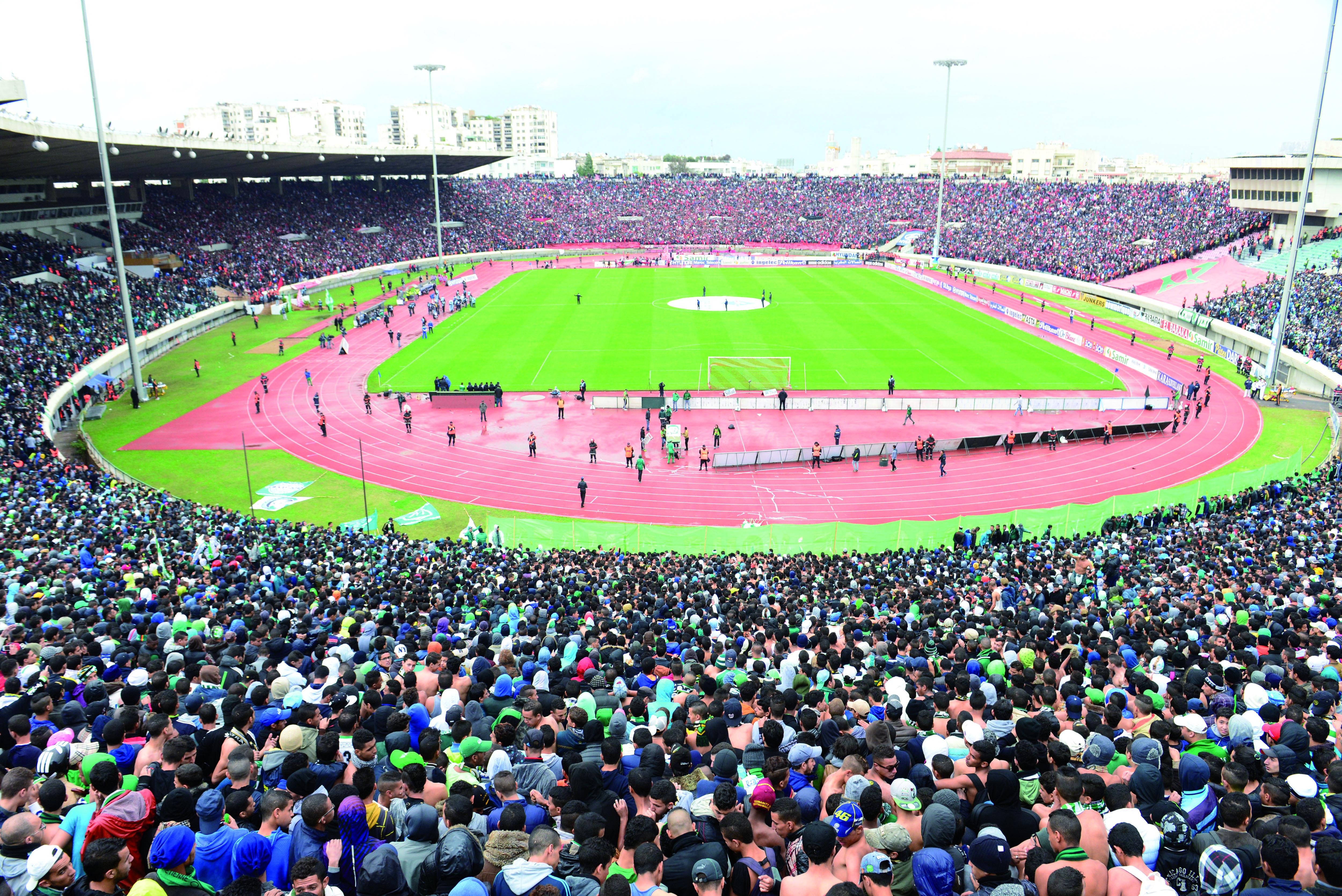 الناخب الفرنسي يبدي إعجابه بملعب مراكش ويكشف جزءا من برنامجه المقبل