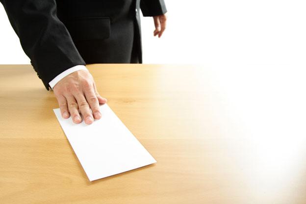 قائد ببرشيد يوقع طلب استقالته وعامل الإقليم يطالبه بالتريث