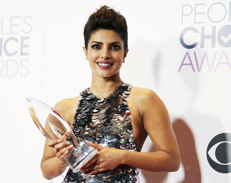 الهندية بريانكا شوبرا تقدم حفل توزيع جوائز الأوسكار لعام 2016