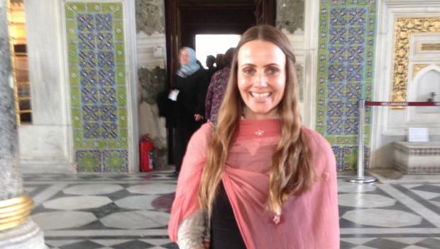 الدانمارك تفتتح أول مسجد خاص بالنساء تؤمهم فقيهة