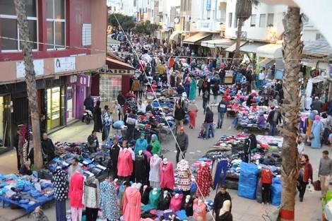 الكساد يخرج تجار مكناس العتيقة للاحتجاج ويحمّلون السلطات ومجلس المدينة المسؤولية