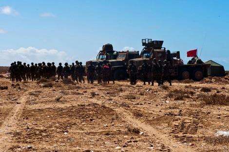 القوات المسلحة الملكية تطلق النار وراء خط الدفاع بالمناطق الجنوبية