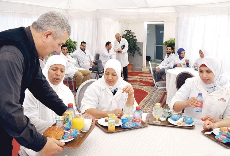 أزيد من 160 عاملا بـ «كتبية» تبرعوا بالدم في عملية نظمتها المجموعة بمقرها