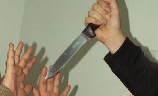 شابة بسطات تقتل صديقتها بسلاح أبيض بالشارع العام