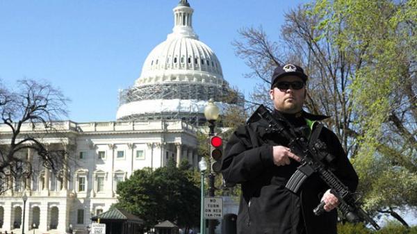 مسلح يفتح النار بالكونغرس الأمريكي