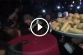 الملك محمد السادس يأمر بتوزيع الحلوى والشاي على مغاربة هولندا