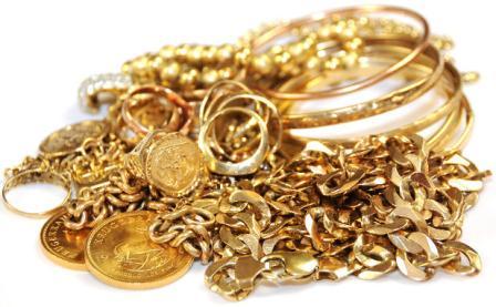 إيقاف سائحين رومانيين بأكادير ينصبان على تجار الذهب