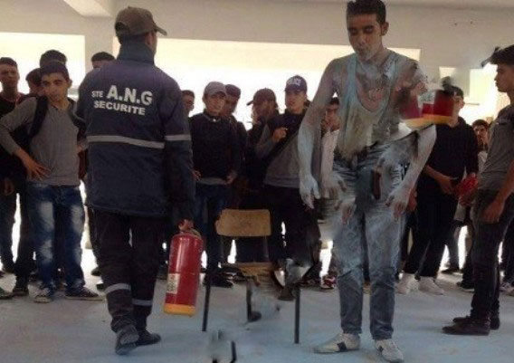 تلميذ يحرق جسده بسبب «حرمانه» من شهادة مدرسية