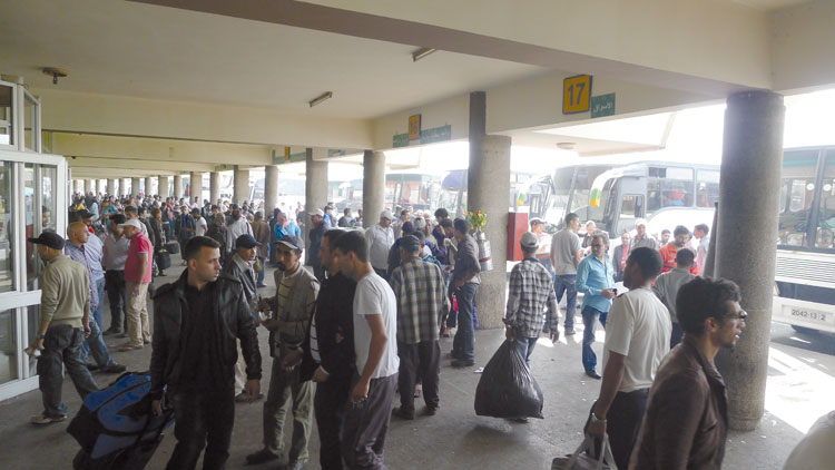 تذاكر مزورة بالمحطات الطرقية ومسافرون يشتكون زيادات في الأثمنة