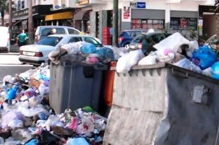 تراكم الأزبال والنفايات يهدد تلاميذ ثانويات وإعداديات الرباط وتمارة وسلا