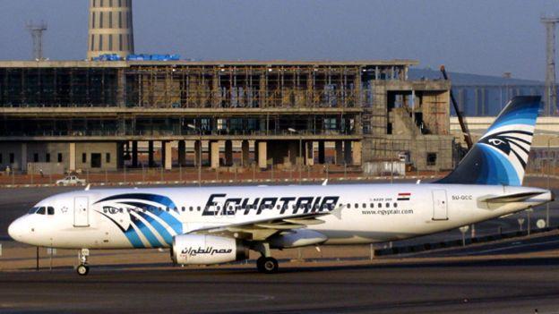 اختفاء طائرة ركاب مصرية على مثنها 56 راكبا في عرض المتوسط