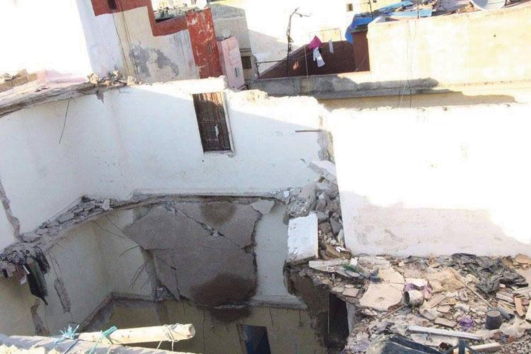 نجاة 8 أسر بعد انهيار منزل بآسفي والأمطار تغرق منتجع الصويرية
