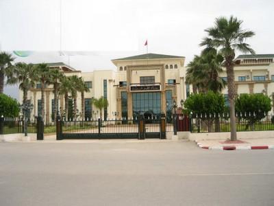 عامل إقليم تاوريرت يعزل مستشارا جماعيا ويحيل ملفه على القضاء الإداري