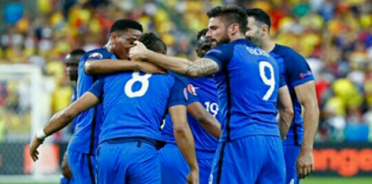 فرنسا تخطف الفوز من رومانيا