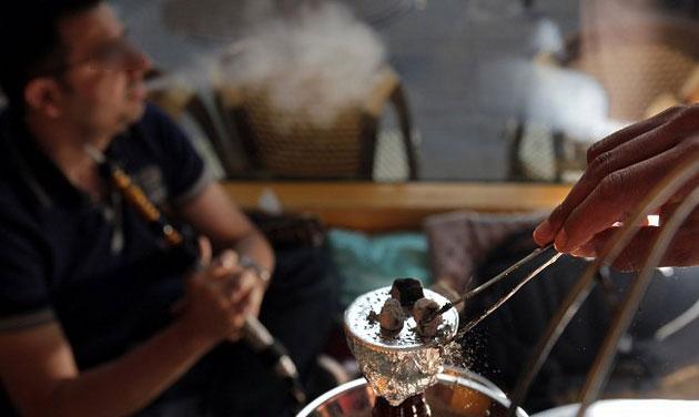 إقبال كبير على مقاهي «الشيشة» بمرتيل خلال رمضان والأمن يفشل في الحد من الظاهرة