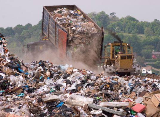 غضب على مجلس مدينة فاس بسبب روائح مطرح النفايات