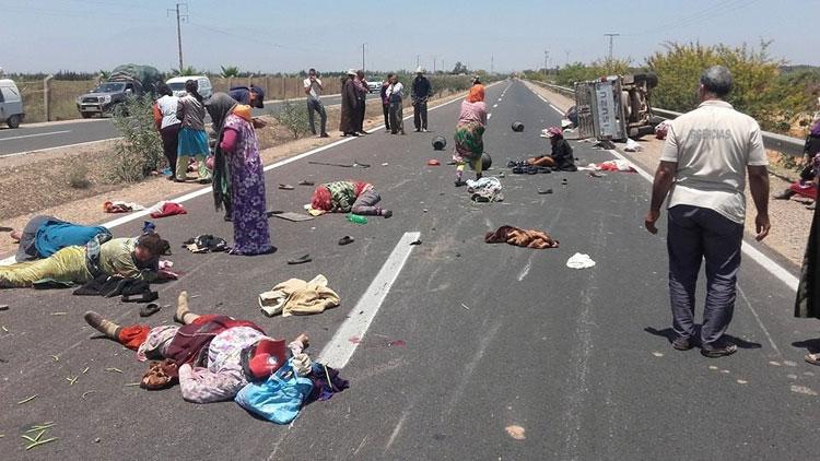 إصابة 17 عاملة زراعية إثر انقلاب سيارة بتارودانت