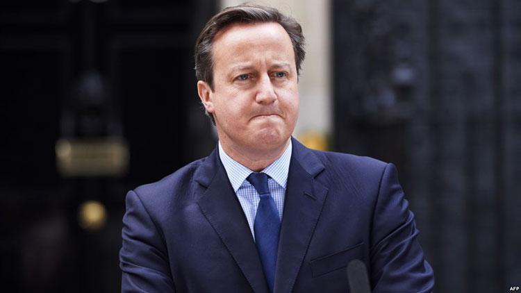 رئيس الوزراء البريطاني ديفيد كاميرون يعلن استقالته من منصبه