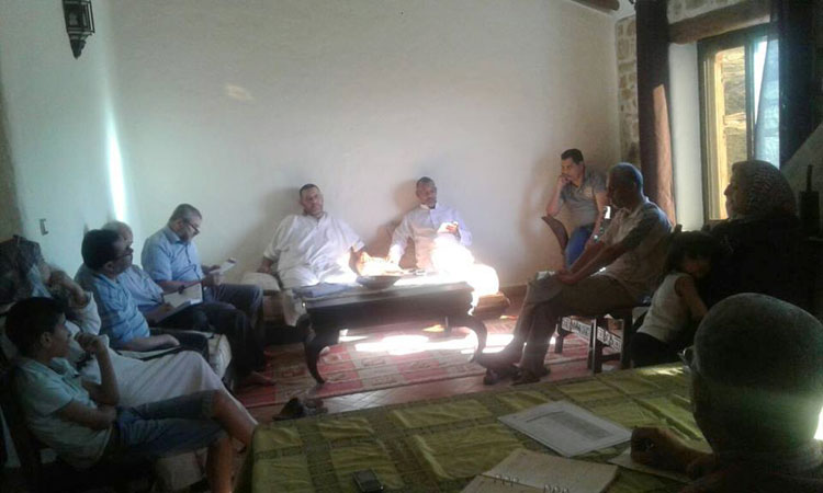 «خلوة» سياسية لإدعمار بمأوى جبلي رفقة مستشارين ومستشارات تثير جدلا أخلاقيا بتطوان
