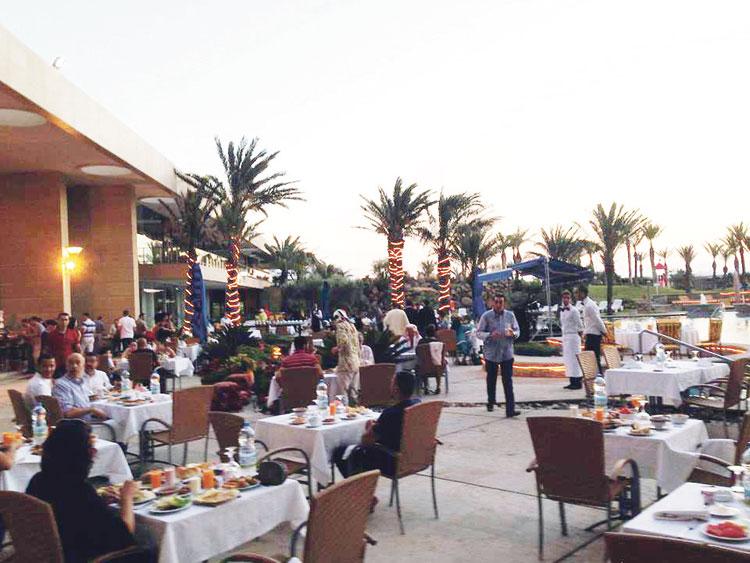 «البيجيدي» يقيم إفطارا بفندق فخم بطنجة على حساب ميزانية الجماعة