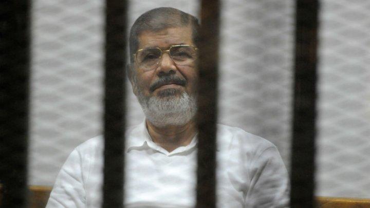 القضاء المصري يحكم بالمؤبد على مرسي والاعدام شنقا للاخرين