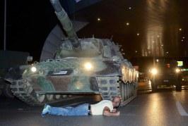 رصاصتان توديان بحياة شاب ينحدر من طنجة خلال أحداث انقلاب تركيا