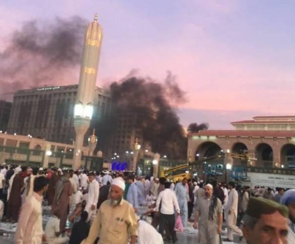 استنفار أمني بالسعودية بعد ثلاث انفجارات انتحارية قرب الحرم النبوي