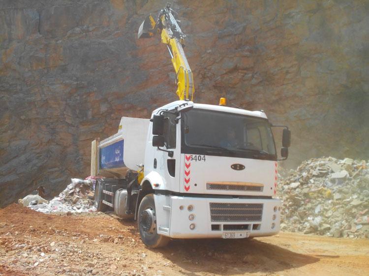 تحويل مقلع إلى مطرح عشوائي بالرباط للنفايات لشركة لبنانية
