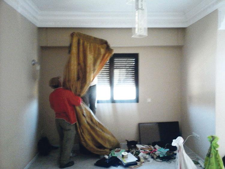 فاعلة جمعوية تتهم زوجة التجمعي السابق عبد الهادي العلمي باقتحام منزلها وسرقة محتوياته بمراكش