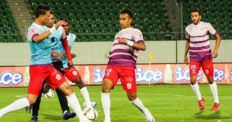 لاعبو حسنية أكادير يطالبون بمستحقاتهم في أول حصة تدريبية