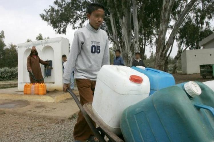 أزمة مياه الشرب تدفع سكان دواوير بنواحي بنسليمان لدق ناقوس الخطر