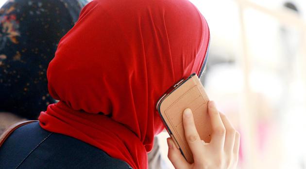 """سيدة تلجأ لـ""""يوتوب"""" لنشر مكالمة هاتفية تتضمن ابتزازها في مليوني سنتيم من طرف موقع الكتروني بطنجة"""